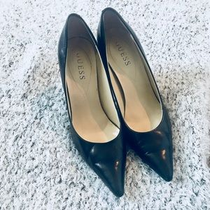 Adorable classic black pumps! Worn once!
